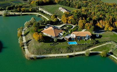 Les Jardins du Lac - the hotel for this tour