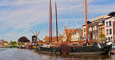 Boat and Drawbridge in Leiden, South Holland. Photo via Flickr:Tambako the Jaguar