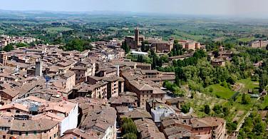 View from the Campanile del Mangia, Siena, Tuscany, Italy. Photo via Wikimedia Commons:Raymondlafourchette