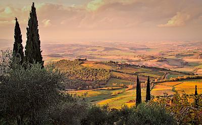 Rolling hills of Tuscany, Italy. Photo via Flickr:Thomas Fabian