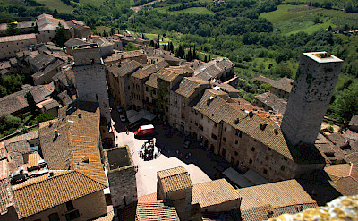 Piazza della Cisterna in San Gimignano, Tuscany, Italy. Flickr:floschen