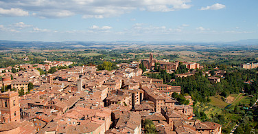 Overlooking Siena in Tuscany, Italy. Photo via Flickr:dev2r