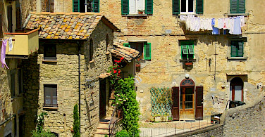 Quieter life in Tuscany. Photo via Flickr:Augen.Blicke