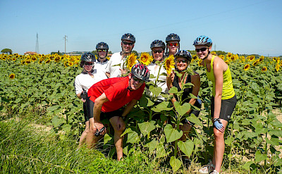 Group on the Tuscany - Pisa & Florence Bike Tour. ©Photo via TO