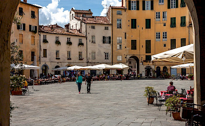 Main square in Lucca, Italy. Flickr:PapaPiper