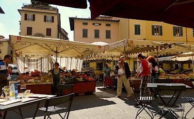 Market in Pistoia, Tuscany, Italy. Flickr:Franklin Heijnen