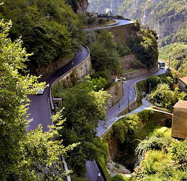 Cycling up to Ravello on the Amalfi Coast, photo by Jon Kuta