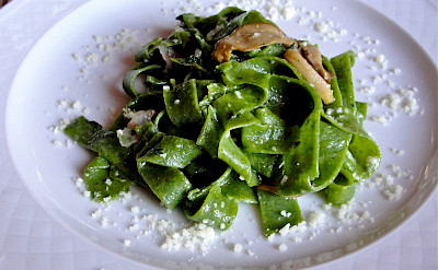 Green Pappardelle with mushrooms in Perugia, Umbria, Italy. Flickr:Umbria Lovers