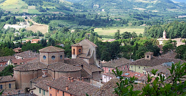 Brisighella in the province of Ravenna, Emilia-Romagna, Italy. Photo via Wikimedia Commons:Geobia