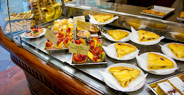 Biker's desserts in Florence, Tuscany, Italy. Photo via Flickr:Moto Club4AG Miwa