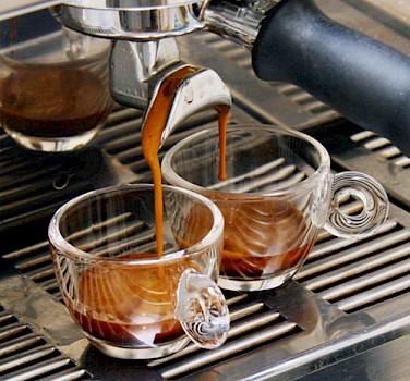 Double espresso as the Italian like it. Photo via Wikimedia Commons:Coffeegeek