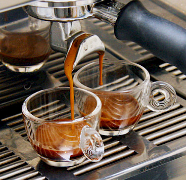 Double espresso as the Italian like it. Photo via Wikimedia Commons:Coffeegeek