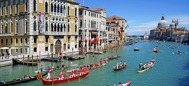 Grand Canal in Venice, Veneto, Italy. Photo via Flickr:Jean-Pierre Dalbera