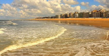 The beach at Knokke - photo via Flickr:zcamerino