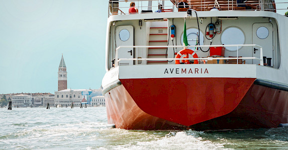 Ave Maria in Venice | Bike & Boat Tour