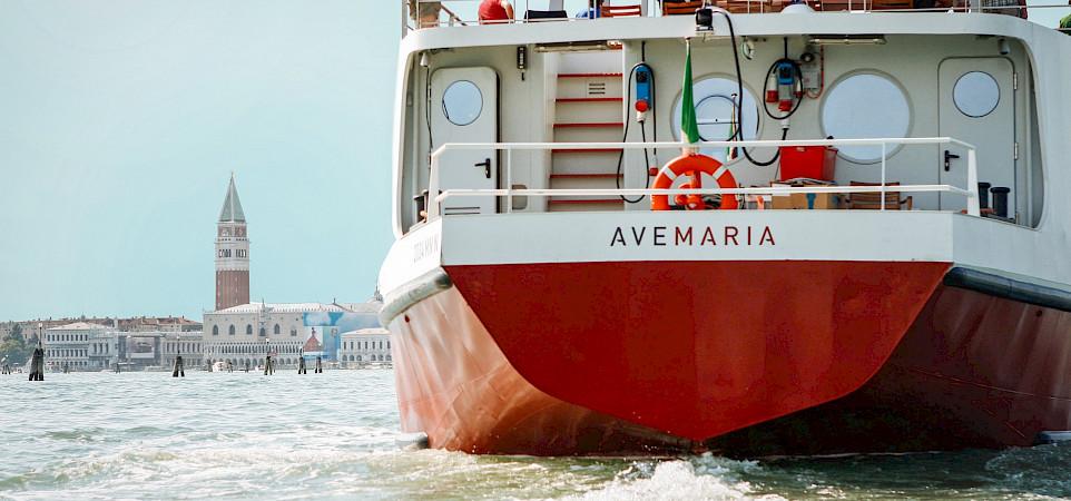 Ave Maria in Venice | Bike & Boat Tour