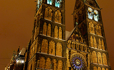 Bike to see amazing St. Peter's Cathedral in Bremen - Photo by motiqua via Flickr