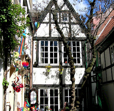 Schnoor in Bremen - photo via Flickr:ohaoha