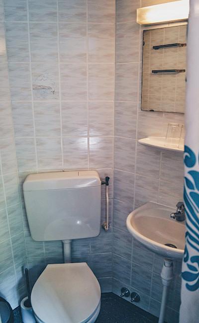 Bathroom | Patria | Bike & Boat Tours