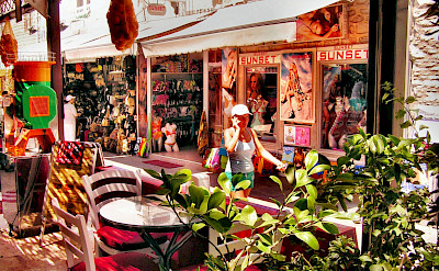 Shopping in Bodrum, Turkey. Flickr:Yilmaz Oevuenc