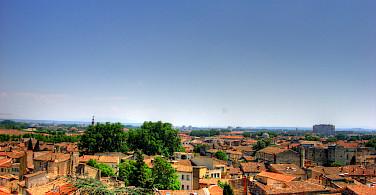 Orange rooftops in Avignon, Vaucluse, France. Photo via Flickr:Martina Egglen