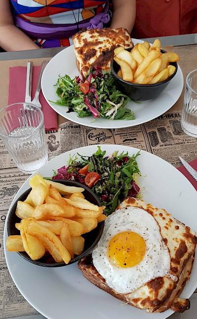 Lunch in Les-Baux-de-Provence, France. Flickr:Luca Disint