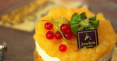 Patisserie in France, oh la la! Photo via Flickr:Jerome Decq