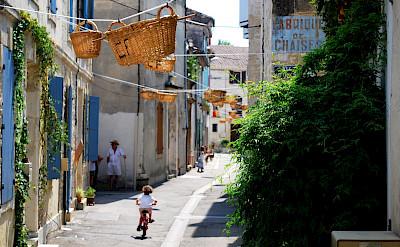 Vallabregues, France. Flickr:Pierre-Emmanuel Larrouturou
