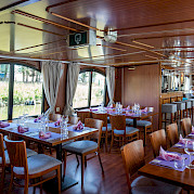 Dining Area | L'Estello | Bike & Boat Tours