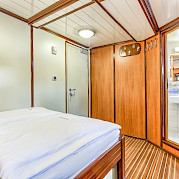 Double cabin - Princess Diana - Bike & Boat Tours
