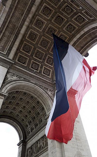 Arc de Triomphe in Paris - photo via Flickr:smemon87