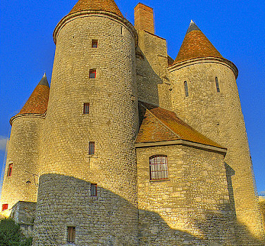 Nemours - Le Chateau - photo via Flickr:@lain G