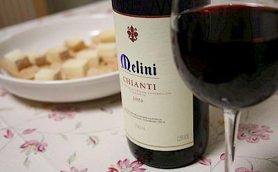 Yummy Chianti with dinner! Photo via Wikimedia Commons:matsuokakohei