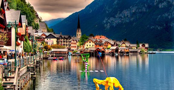 Hallstatt, Hallstätter See, Salzkammergut, Upper Austria. Photo via Flickr:Umberto Nicoletti