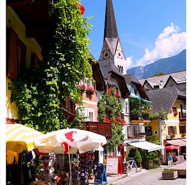 Marktplatz in Hallstatt, Salzkammergut, Austria. Photo via Flickr:Oliver Wald