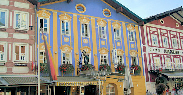 Mondsee in Salzkammergut region of Austria. Photo via Flickr:Lyn Gateley