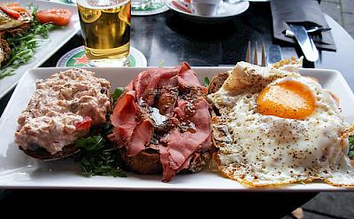 Lunch break for some more biking fuel. Photo via Flickr:sallyb2