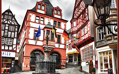 Still quiet in the Marktplatz of Bernkastel-Kues, Germany. Flickr:Bert Kaufmann