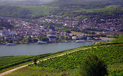 Bike & Boating the Rhine River through Rüdesheim, Germany. © TO