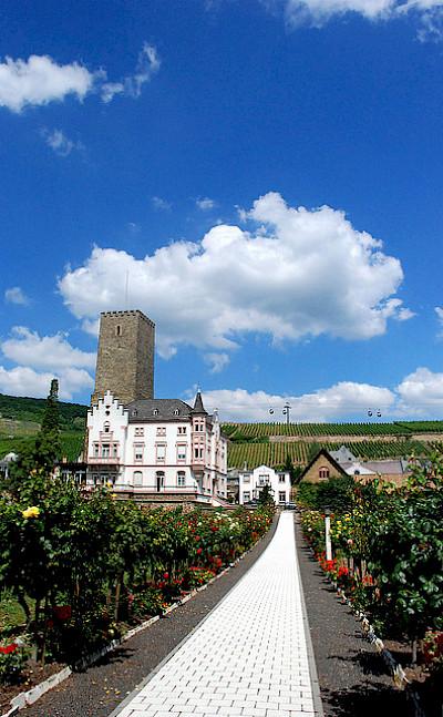 12th century Castle Boosenburg in Rüdesheim am Rhein, Rheingau-Taunus-Kreis, Germany. Flickr:chico