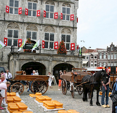 Cheese Market in Gouda, South Holland province, the Netherlands. Flickr:bert knottenbeld