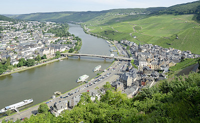 Bernkastel-Keus, a famous wine-growing region on the Mosel River in Rhineland-Palatinate, Germany. CC:Peulle