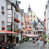 Sightseeing in beautiful Bernkastel-Kues, Germany. Photo via Flickr:Franz-Josef Molitor