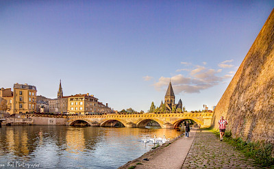 Scenic bike riding along the Mosel River in Metz, France. Flickr:Jean Balczesak