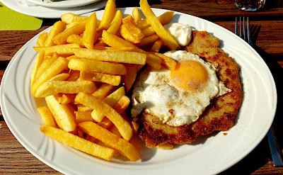 Schnitzel mit Spiegelei, a Deutsche favorite. Flickr:Thomas Kohler