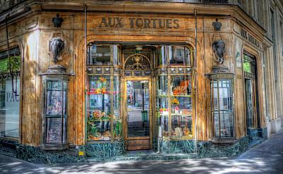 Boulangerie in Paris, France. Flickr:alainlm