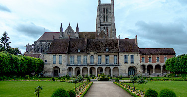 Episcopal Palace and St. Etienne Cathedral in Meaux, France. Photo via Flickr:Yann Caradec