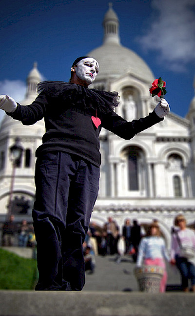 Miming in Montmartre in Paris, France. Flickr:Moyan Brenn