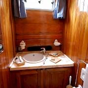 banheiro - Caique Mariagiovanna