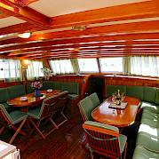Lounge | Maria Giovanna | Bike & Boat Tours
